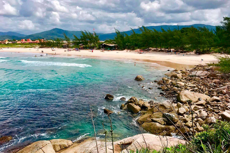 praia-da-ferrugem-garopaba-pousada-villa-sao-pedro